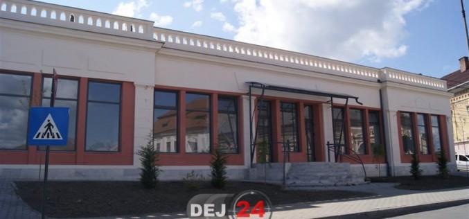 """Galeria de Artă din Dej se redeschide cu """"Anuala Artiștilor Plastici Dejeni"""""""
