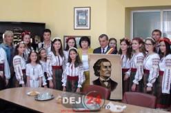 Moment muzical emoționant! Elevi basarabeni în vizită la Primăria Dej – FOTO/VIDEO