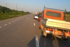 ACCIDENT cu trei mașini implicate, la Livada. Traficul rutier a fost BLOCAT – FOTO