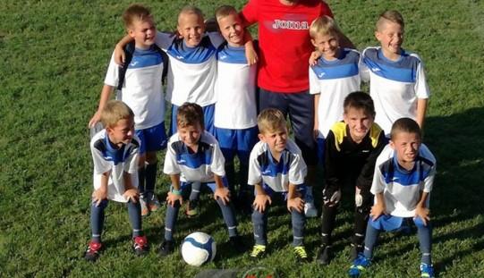 """Juniorii U9 de la FC Unirea Dej,  LOCUL III la """"Cupa Sporting Reghin"""" – FOTO"""