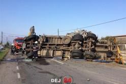 ACCIDENT pe DN17, în Mănășturel. Un camion a ajuns de-a curmezișul pe șosea – FOTO/VIDEO