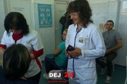 MOBILIZARE la Dej! Peste 100 de persoane au donat sânge, mulți și pentru profesoara rănită duminică – FOTO