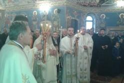 """Mitropolitul Clujului a resfințit biserica cu hramul ,,Sfântul Ierarh Nicolae"""" a Parohiei Recea Cristur"""