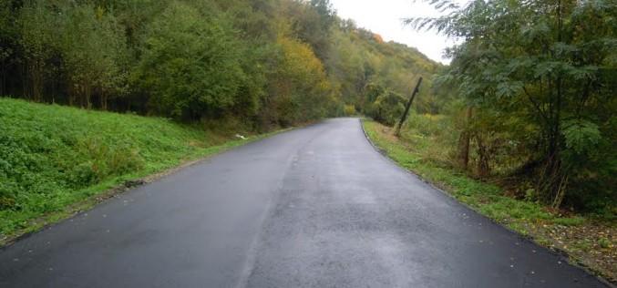 Cluj | Lucrările de asfaltare a DJ 109B, Fundătura – Cornești, au fost finalizate