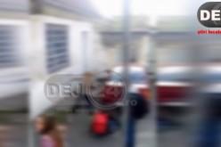 Elevă din Dej, UMILITĂ și BĂTUTĂ de o adolescentă. S-a întâmplat lângă liceu! – VIDEO ȘOCANT