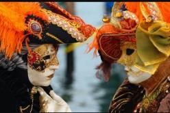 Bal mascat în stil venețian, la Dej. Nu au lipsit măștile și costumele somptuoase – VIDEO