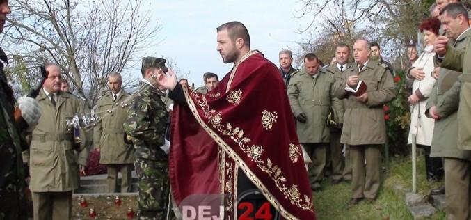 Dej – Ceremonial militar-religios și depuneri de coroane la mormântul Maiorului (pm) Vasile Unguraș – FOTO/VIDEO