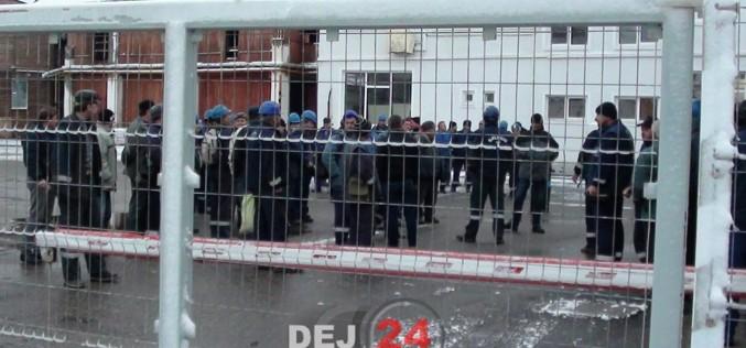 Angajaţii Salinei Ocna Dej continuă protestul! Oamenii au dormit în subteran, iar activitatea este blocată