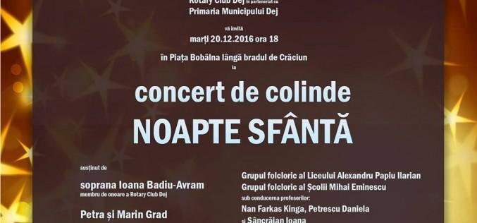 Concert inedit de colinde, lângă bradul din centrul municipiului Dej