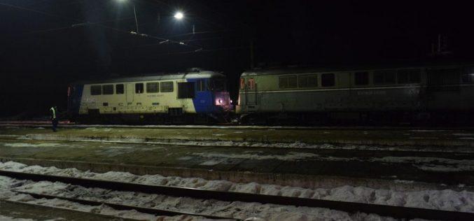 DEFECȚIUNE! Sute de pasageri au fost nevoiți să aștepte aproape două ore în Gara CFR Dej Călători – FOTO/VIDEO