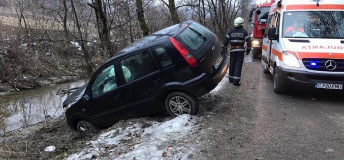 ACCIDENT pe Valea Gugii! O șoferiță și trei pasageri minori au ajuns la spital – FOTO/VIDEO