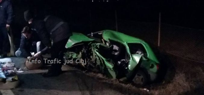 GRAV ACCIDENT în Cluj! Coliziune frontală între un autoturism și un autotren – FOTO