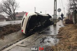 ACCIDENT la Urișor! O mașină de lux a ajuns într-un capăt de podeț – FOTO/VIDEO