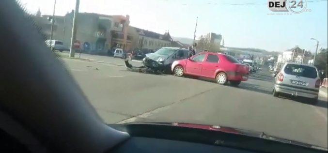 ACCIDENT în Dej! Două mașini au fost serios avariate – VIDEO