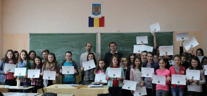 Tehnici şi metode de soluţionare a conflictelor, prezentate elevilor de la Şcoala Gimnazială Chiuieşti – FOTO