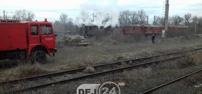 INCENDIU la un vagon dezafectat, în Dej. Pompierii au intervenit de urgență – FOTO/VIDEO