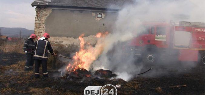 INCENDIU la Coplean! Mai multe căpițe de fân s-au făcut scrum – FOTO/VIDEO