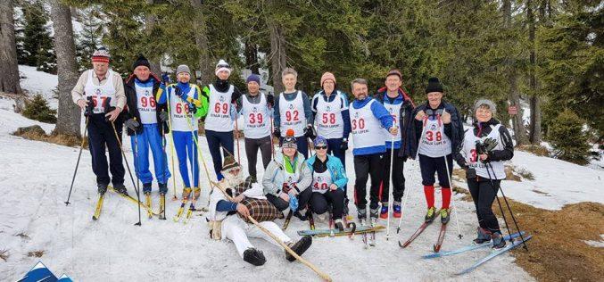 """Salvamont Cluj, pe podium la concursul național de ski """"Cupa Veteranilor"""" – FOTO"""