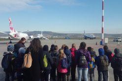 """Aeroportul Internațional """"Avram Iancu"""" Cluj susține și în acest an programul """"Școala Altfel"""""""