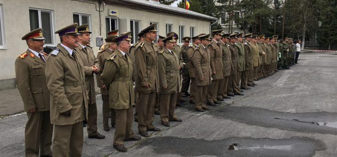 Ziua Forțelor Terestre, marcată și în Garnizoana Dej! Au fost premiați militarii, jurnaliștii, pompierii, jandarmii și polițiștii – FOTO