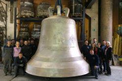 Cel mai mare clopot din Europa pentru Catedrala Mântuirii Neamului. A costat aproape 500.000 de euro, iar pe el apare și chipul Patriarhului Daniel
