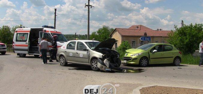 ACCIDENT la intrare în Mănăstirea dinspre Dej! O femeie a ajuns la spital – FOTO/VIDEO