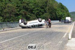 Mașină răsturnată la Bunești – FOTO