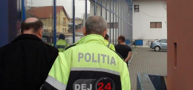 Hoț din Gherla, prins de polițiștii din Cluj la scurt timp după ce a furat un telefon