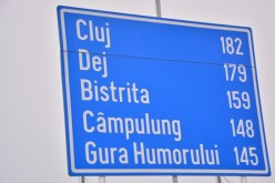 Indicator rutier cu date eronate. Doar trei kilometri între Dej și Cluj – FOTO