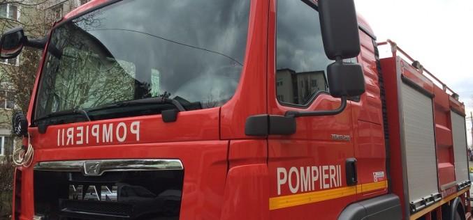 """APEL FALS? Pompierii din Dej, puși pe drumuri la """"persoane blocate în lift"""""""