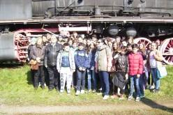 """Elevi ai Școlii Gimnaziale """"Avram Iancu"""" Dej, în vizită la Muzeul de Locomotive Dej-Triaj"""