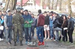 """Elevii din Dej au participat astăzi la activitatea """"Armata – O școală altfel"""" – FOTO/VIDEO"""