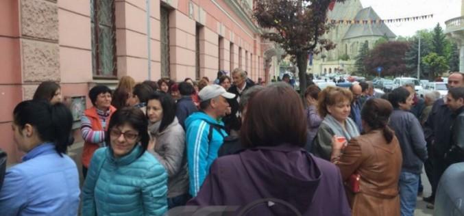 Salariații Primăriei Municipiului Dej intră mâine în GREVĂ. De ce sunt nemulțumiți