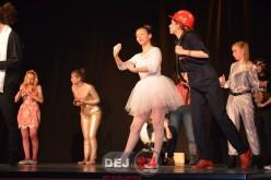 Trupă de teatru din Dej, participantă la un festival internațional de teatru francofon, la Arad