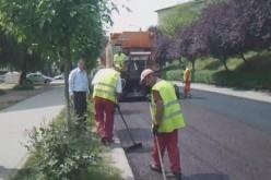 Continuă asfaltarea la Dej. S-a lucrat intens și în weekend – FOTO/VIDEO