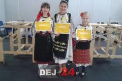 Două eleve din Dej, premiul I și II la un concurs de meșteșuguri tradiționale – FOTO