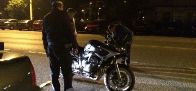 ACCIDENT lângă Gherla! Un motociclist aflat sub influența alcoolului s-a dezechilibrat și a căzut pe șosea