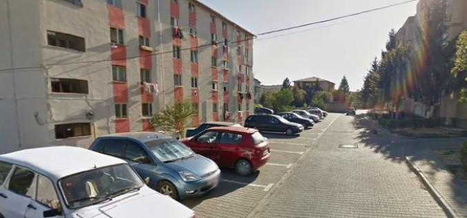 Primăria Dej scoate la licitație locuri de parcare în cartierul Dealul Florilor