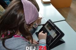 """Educație cu ajutorul tabletelor la Școala Gimnazială """"Avram Iancu"""" Dej – FOTO"""
