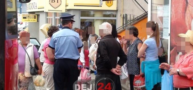 """Preșcolari din Dej, înghesuiți """"ca sarmalele"""" într-un autocar. Polițiștii au intrat pe fir – FOTO"""