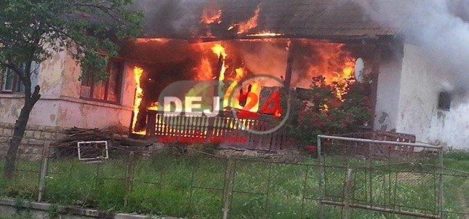 Incendiu în Ocna-Dej. Un tânăr A MURIT, fiind găsit CARBONIZAT – FOTO/VIDEO