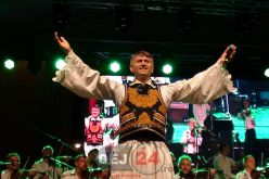 Gest neaşteptat din partea lui Cristian Pomohaci! Preotul s-a retras din viața monahală