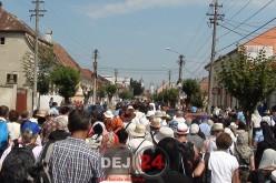 """""""La Nicula colo-n deal"""", procesiune pe jos din Gherla, în ajunul sărbătorii Adormirea Maicii Domnului"""