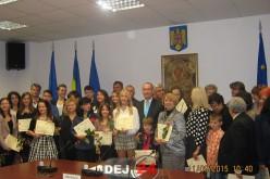 Consiliul Județean Cluj a premiat astăzi două eleve de 10 din Dej – FOTO