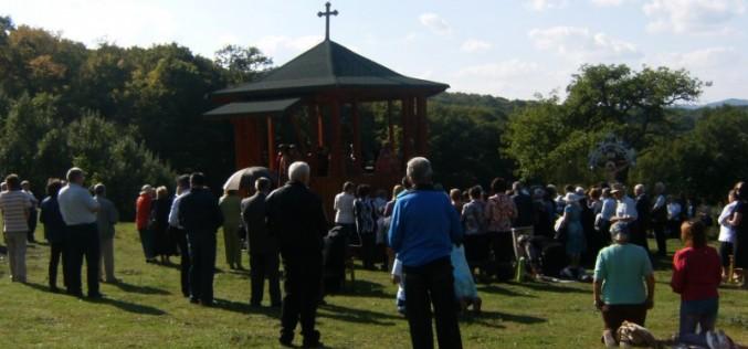 Taina Sfântului Maslu, săvârșită pe Dealul Bacăului din Dej