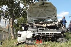 Accident în Cășeiu. O femeie a ajuns la spitalul din Dej după ce mașina S-A IZBIT de un copac – FOTO/VIDEO