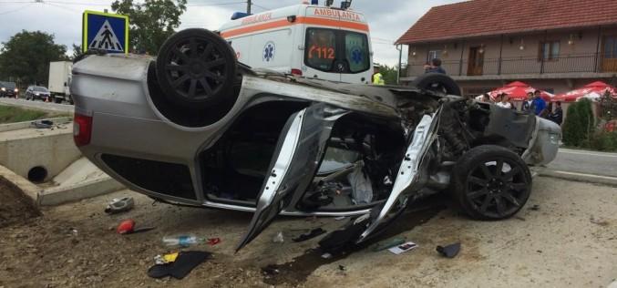 ACCIDENT între Reteag și Uriu! Un șofer s-a răsturnat cu mașina, după ce ar fi adormit la volan
