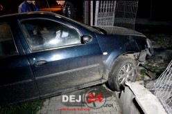 Un fost POLIȚIST, BEAT la volan, ACCIDENT pe o stradă din Gherla – FOTO/VIDEO