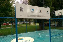 UNTOLD se implică în modernizarea obiectivelor din Cluj-Napoca. Primul, un teren de baschet – FOTO