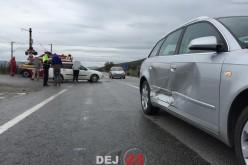 Accident cu două mașini implicate, la ieșire din Dej, pe DN1C – FOTO